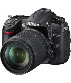 Nikon D7000 kit 18-105