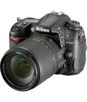 Nikon D7000 kit 18-140